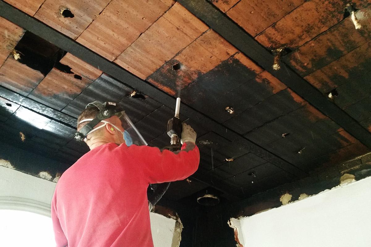 Limpieza de techo con hielo seco