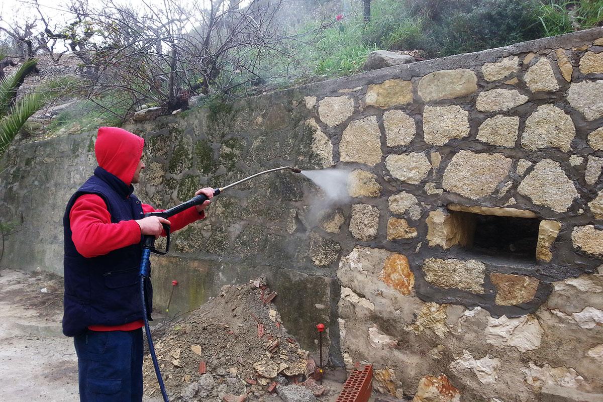 Restauración de muro de contención piedra
